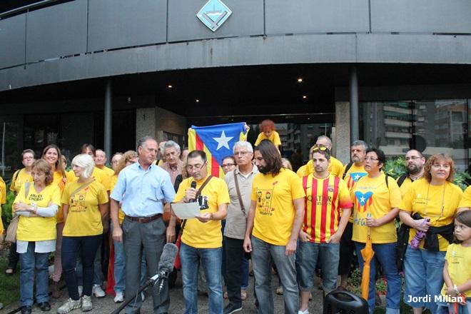 Concentració 9N a Sant Andreu de la Barca -01