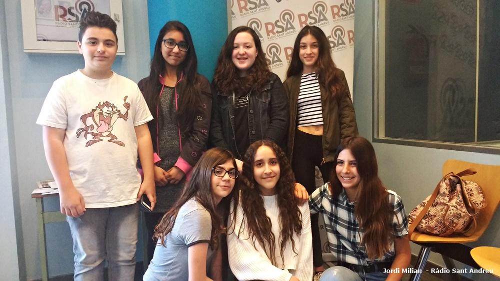 Alumnes 2 eso escola a la ràdio