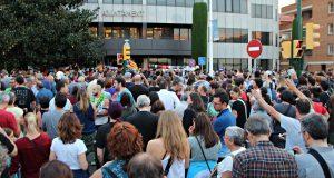 3 d'octubre concentració Ajuntament -01