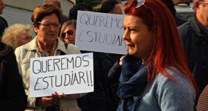 Manifestació El Palau 8 novembre 01