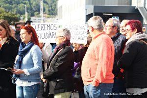 Manifestació El Palau 8 novembre 03