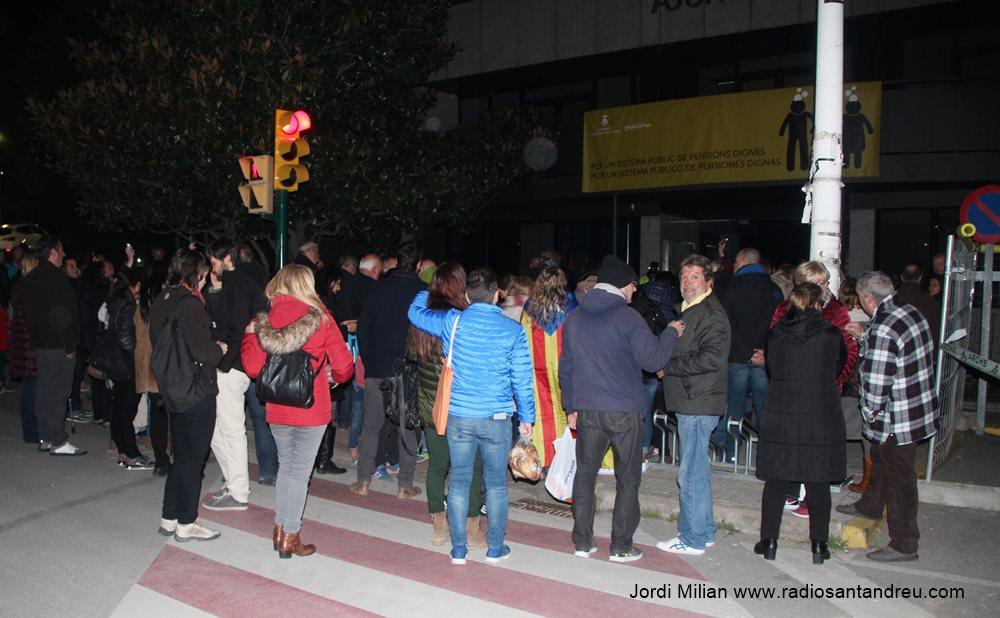 Concentració contra empresonament polícs catalans 23 març -01