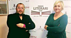 Juan Pablo Beas, regidor de Cultura i Carme R. Barrachina presidenta dle Fòrum Cultural Gaspar de Preses