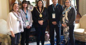 Alcalde  Enric Llorca troabada amb alcaldessa de Belfast