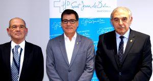 D'esquera a dreta: Dr. Manuel Álvarez, director-gerent FHSJDM, Xavier Fonollosa, president de la FHSJDM i alcalde de Martorell i Enric Llorca, alcalde de Sant Andreu de la Barca i membre del Consell de Direcció del CatSalut.