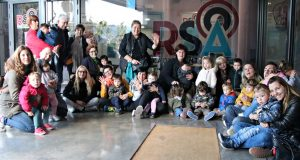 Escola Bressol El Cavallet visita Ràdio Sant Andreu - 01