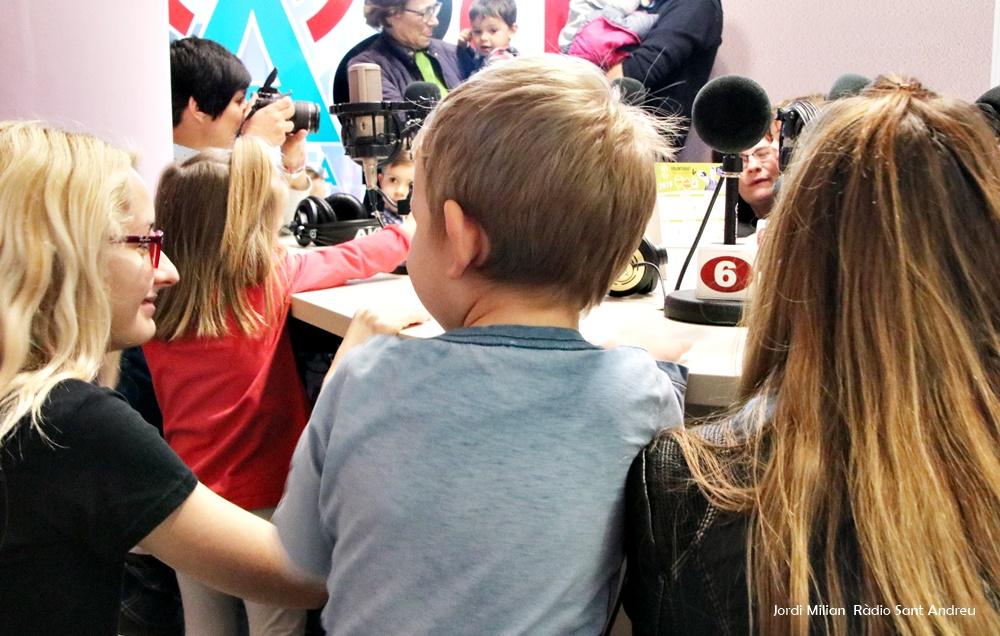 Escola Bressol El Cavallet visita Ràdio Sant Andreu - 02
