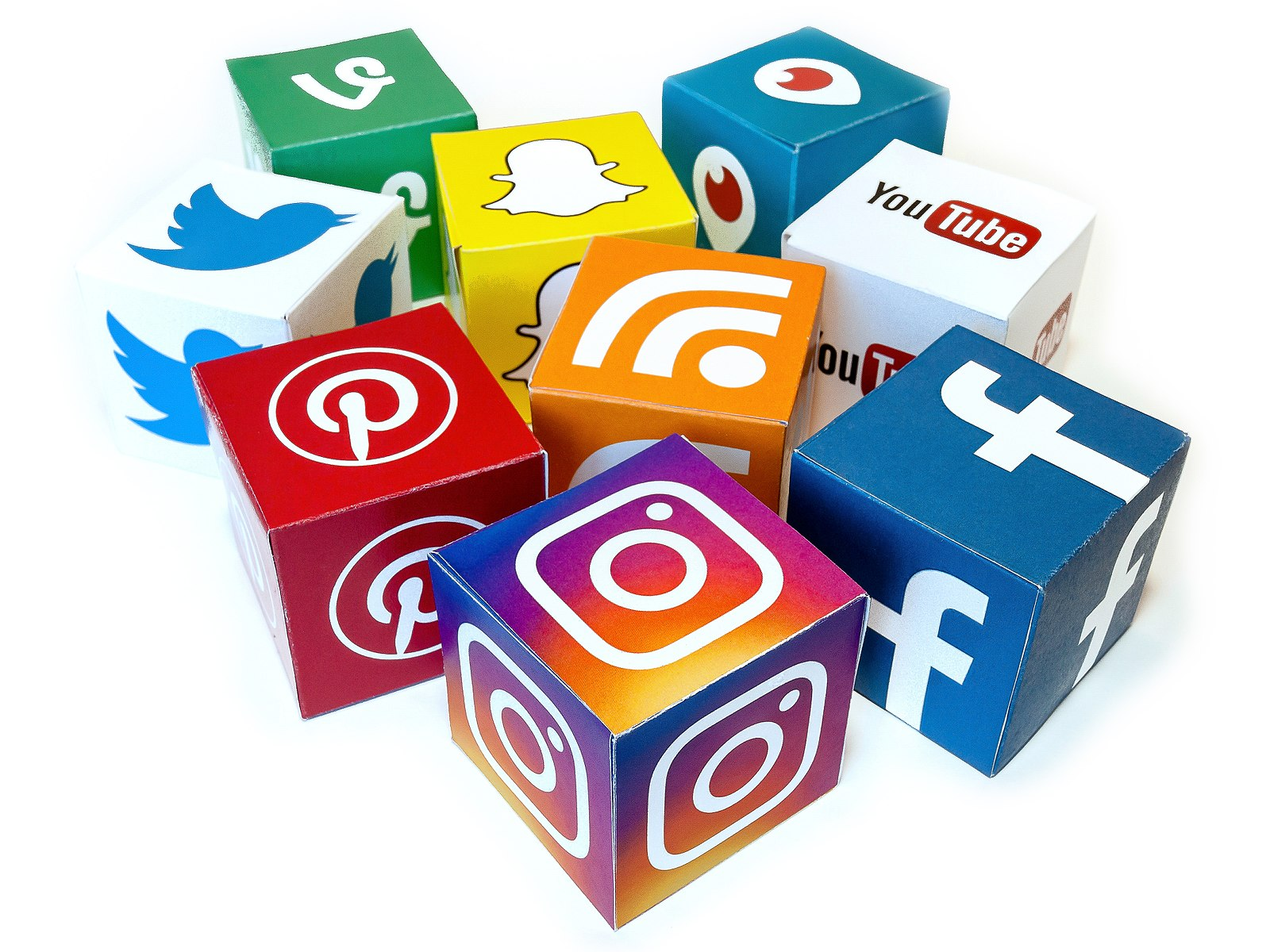 Social-Media-Cubes