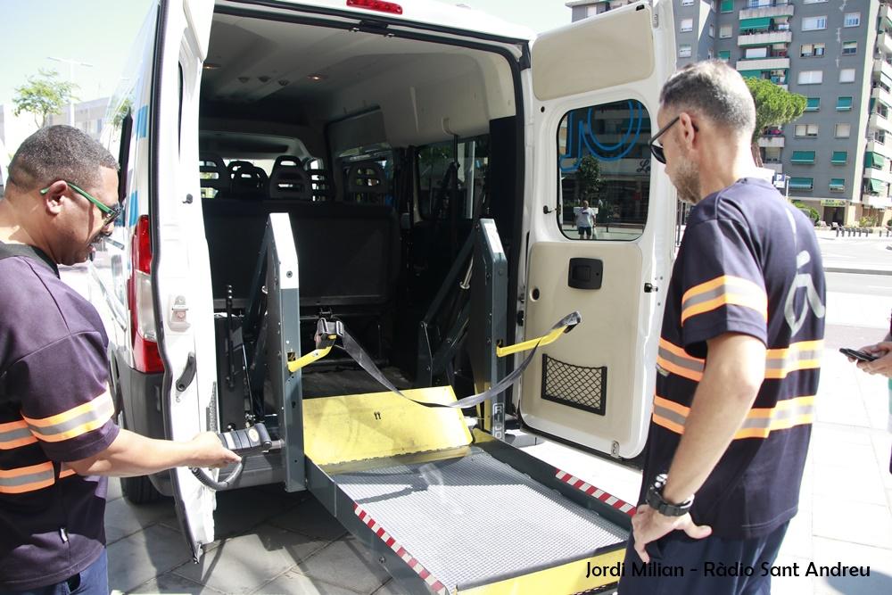 Nous vehicles de transport adaptat 02