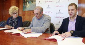 Signatuta conveni Ajuntament i Aqualia