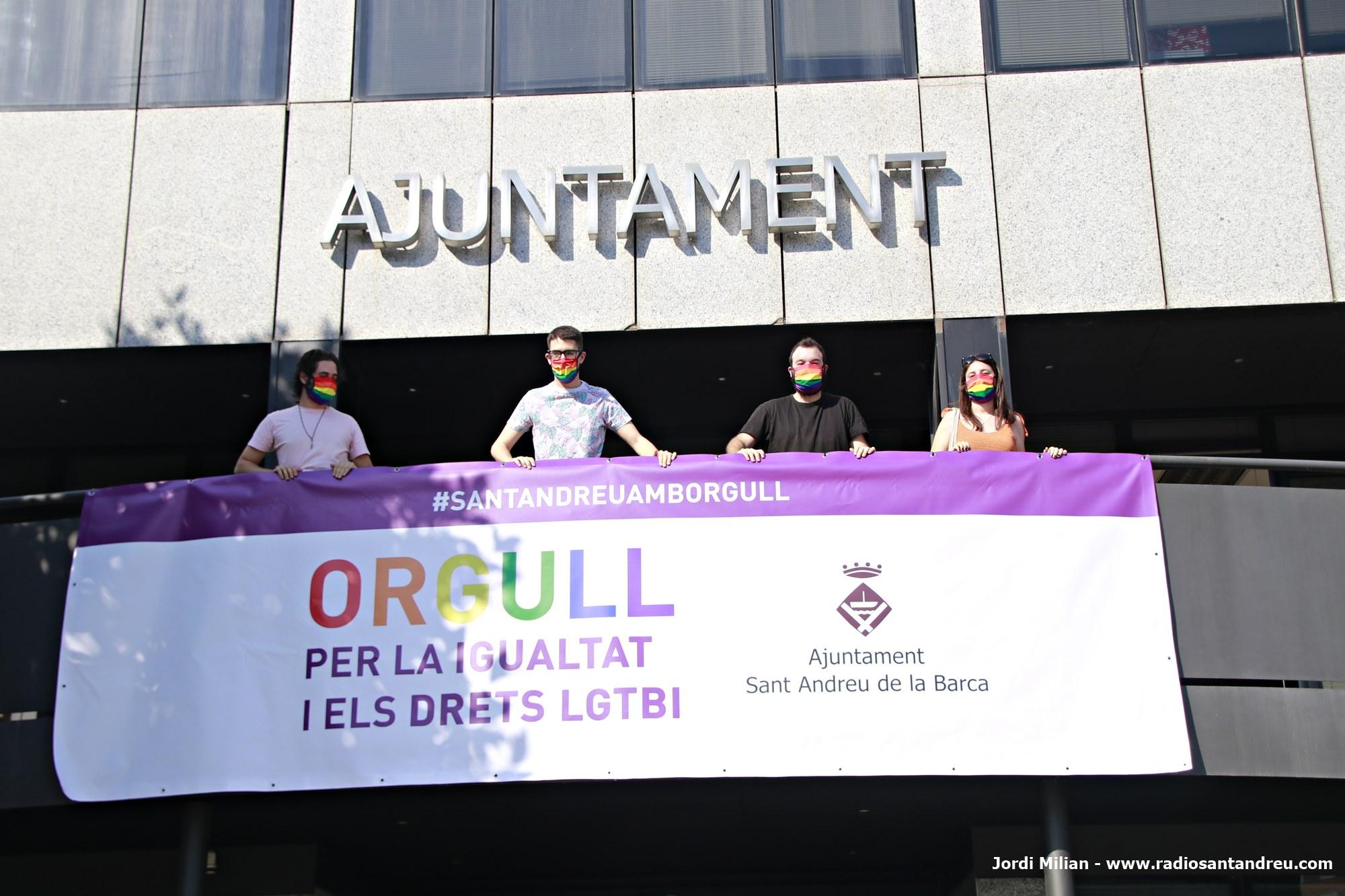 Ajuntament pancarta LGTBI 2020 - 01