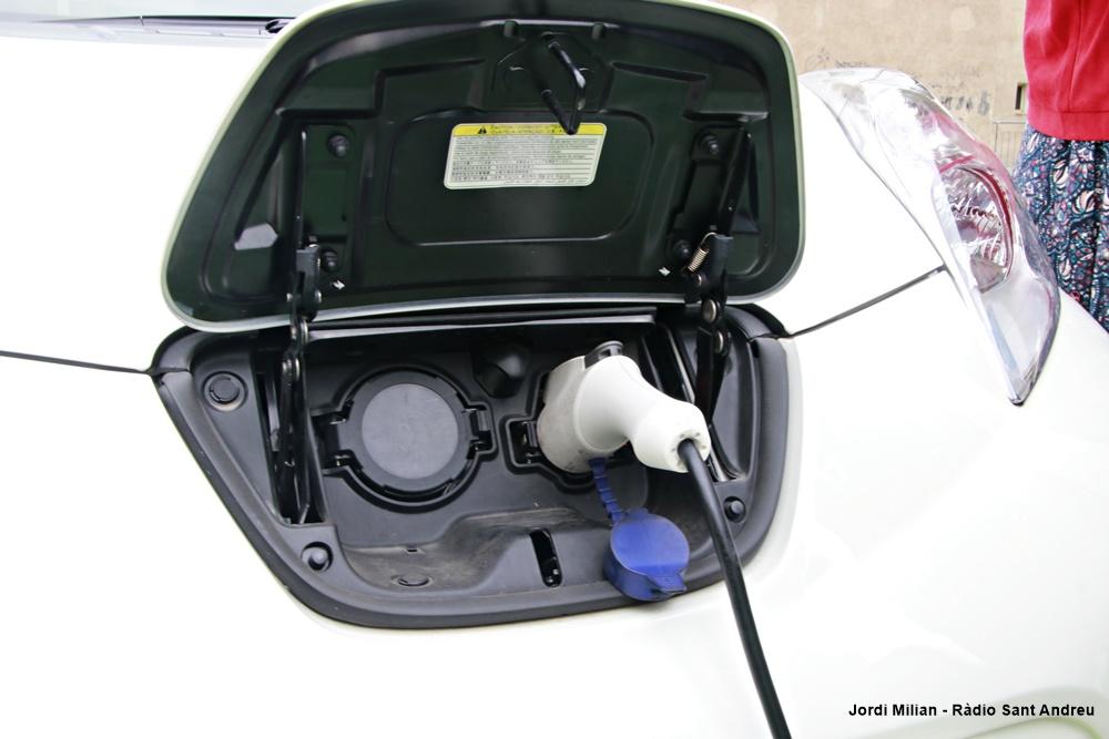 Nou punt càrrega vehicles elèctrics  02